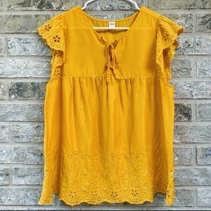 Yellow Old Navy Embroidered Flutter-Sleeve Top